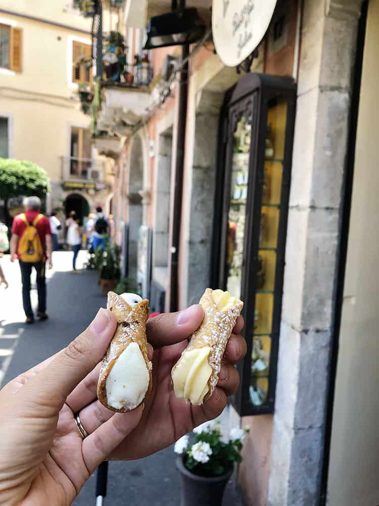 Sicilian cannoli - Sicily with Kids