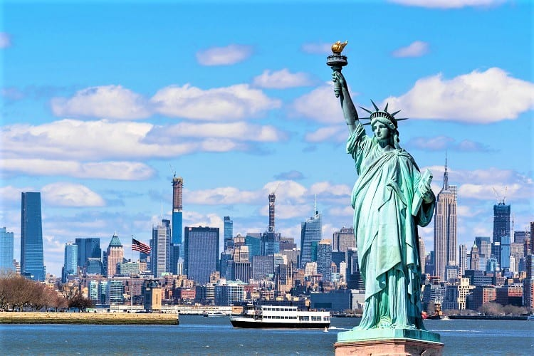 BEST TIPS TO VISIT STATUE OF LIBERTY WITH FAMILY