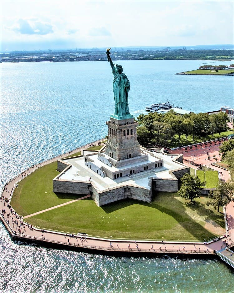 TIPS TO VISIT STATUE OF LIBERTY WITH FAMILY