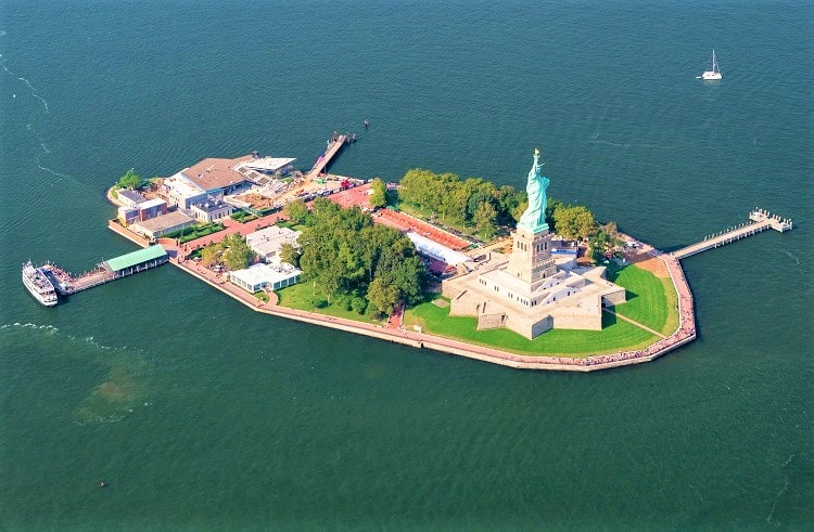 TOP TIPS TO VISIT STATUE OF LIBERTY WITH FAMILY
