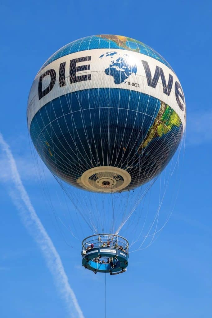 Weltballon Berling Germany with Kids